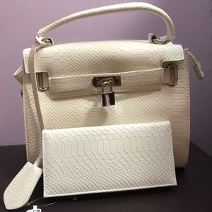 Beige Bag and White Wallet